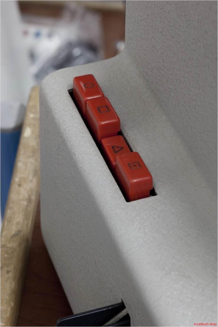 fachbuch dieter rams so wenig design wie m glich braun und mehr de ausgabe ovp ebay. Black Bedroom Furniture Sets. Home Design Ideas
